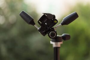 8 Helpful Camera Tripod Accessories