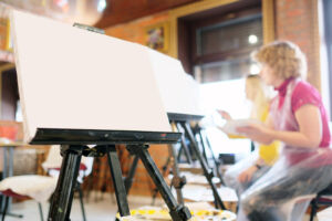 How To Convert a Camera Tripod Into a Painting Easel: Three Simple Ways