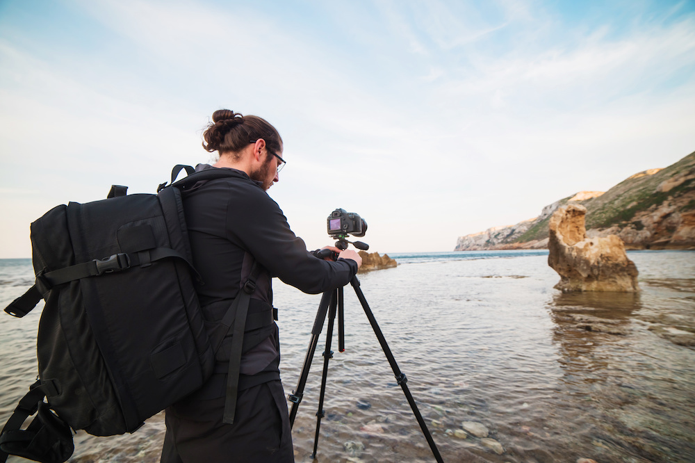 what is a travel tripod for photographers